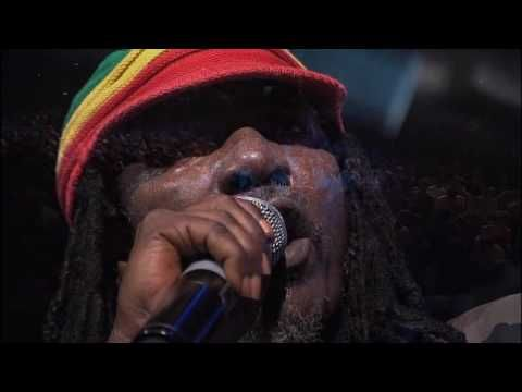 Alpha Blondy Ne Tirez Pas Sur L Ambulance Youtube Chretien