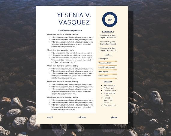 The Yesenia is a nautical design, utilizing clean fonts and blues