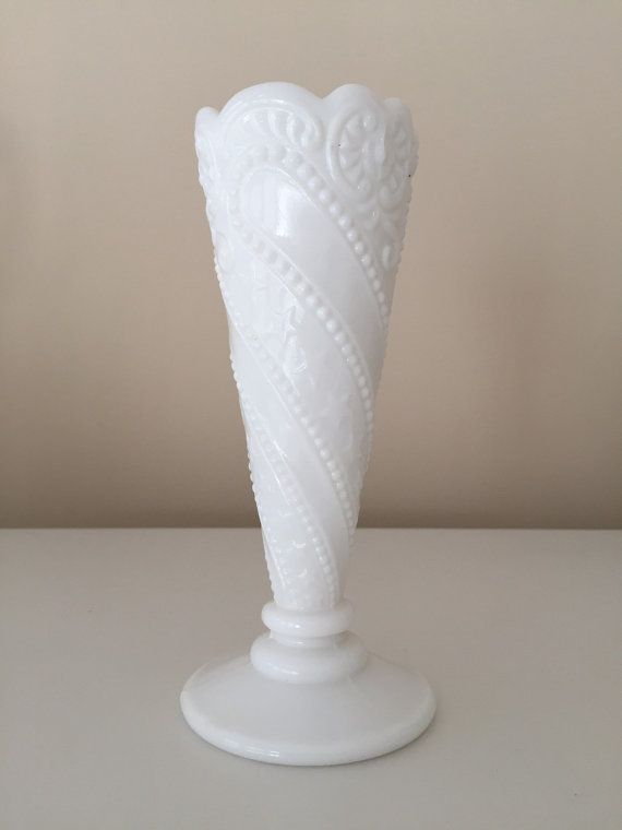 Milk Glass Bud Vase L E Smith Beads Stars And Scroll Vintage