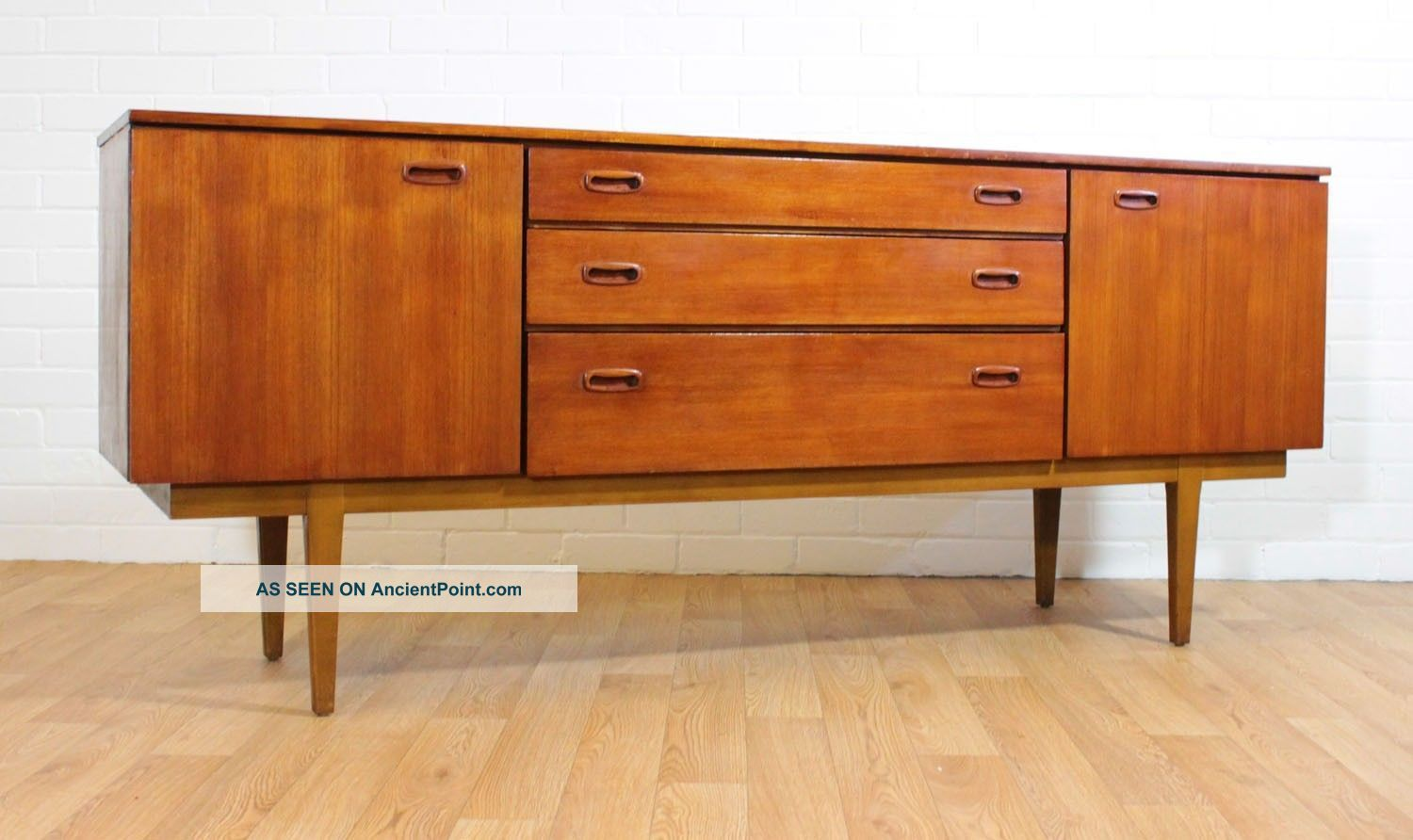 Long And Low Sleek Mid Century Teak Credenza/ Buffet/tv Console By Nathan.