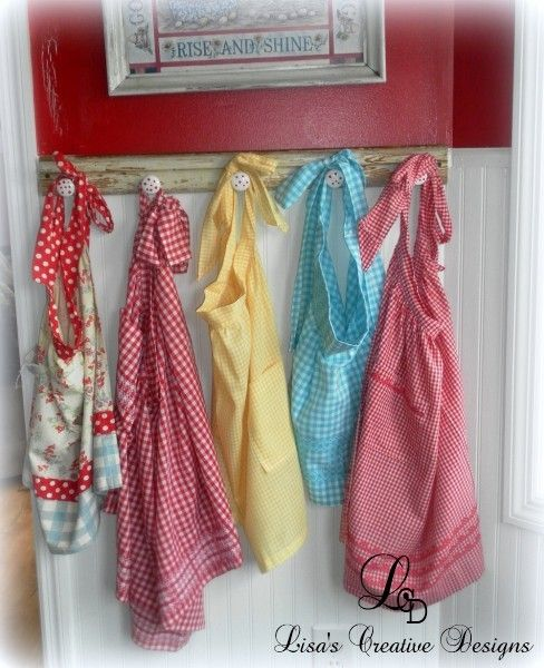 How To Display Vintage Aprons