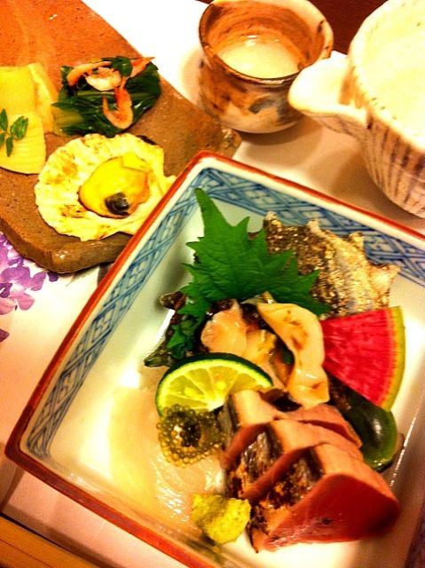 お疲れ様 (✿ฺ´∀`✿ฺ)   ちょっ( ෆຶдෆຶ) 飲んでるね ねっ 美味そうなのいいな〜✨ - 32件のもぐもぐ - 前菜、お刺身と冷酒 by tayuko