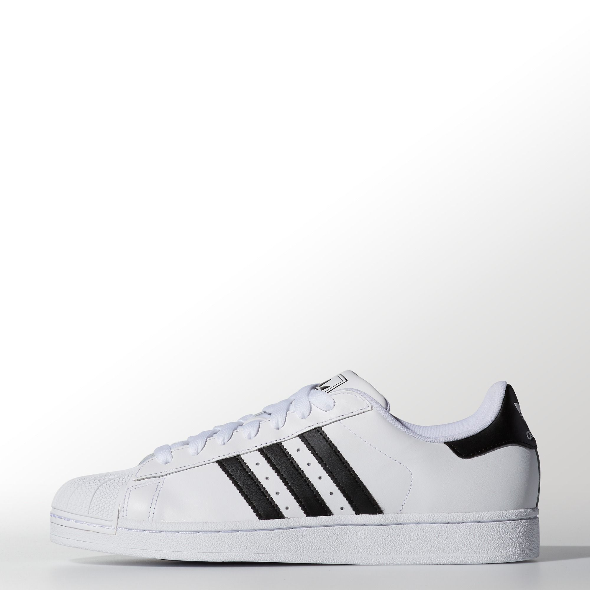 Still stepping forward with their iconic shell toe, these men\u0027s adidas  Originals Superstar shoes now have an eco-friendly full grain leather  upper, ...