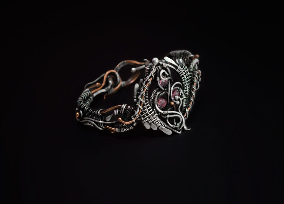 Enlaced | JewelryLessons.com