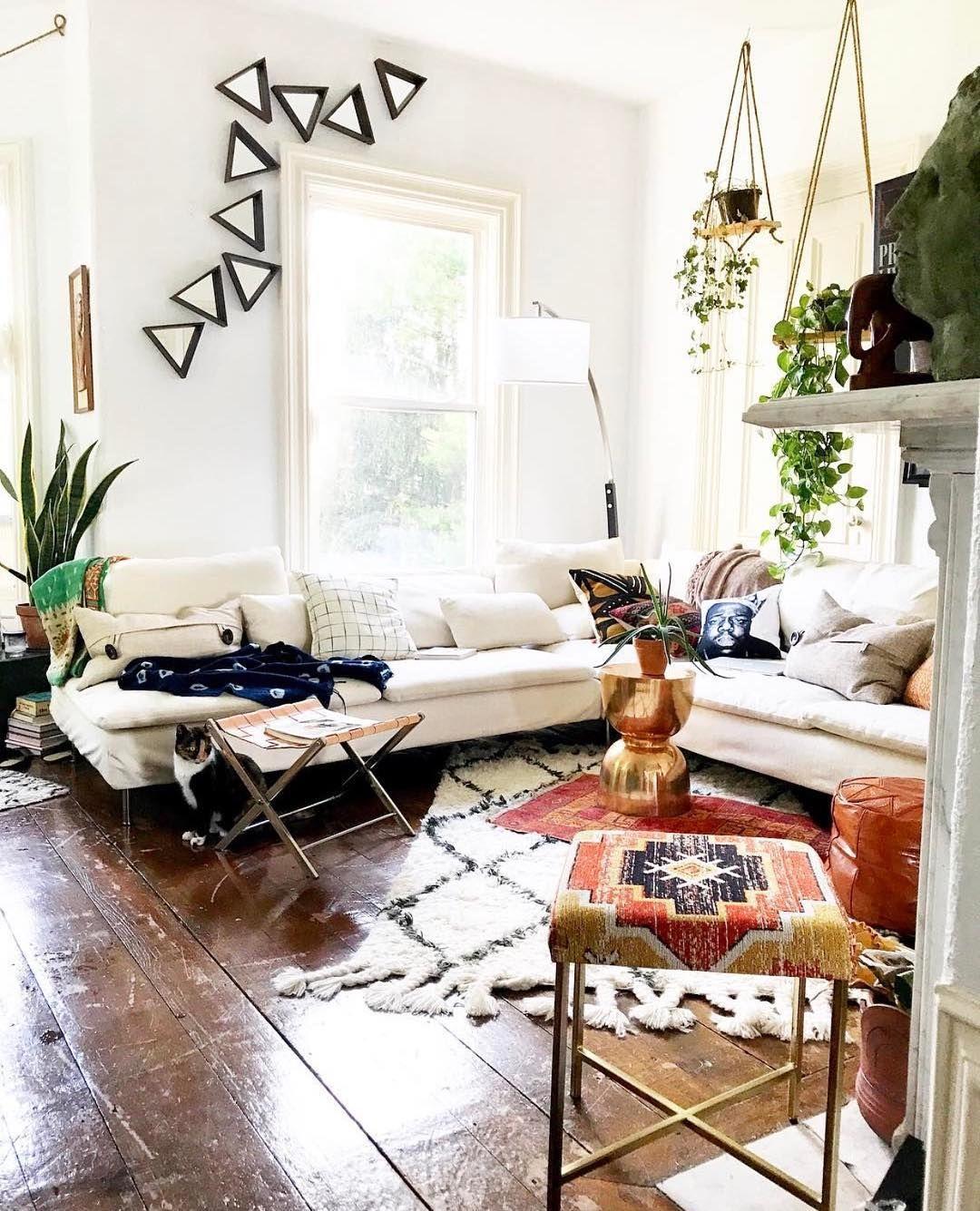 Diagonal Rug Dawnelle Kirsten Dkrenewal On Instagram Via Kara Evans Dream Decor Home Decor Beautiful Living Rooms