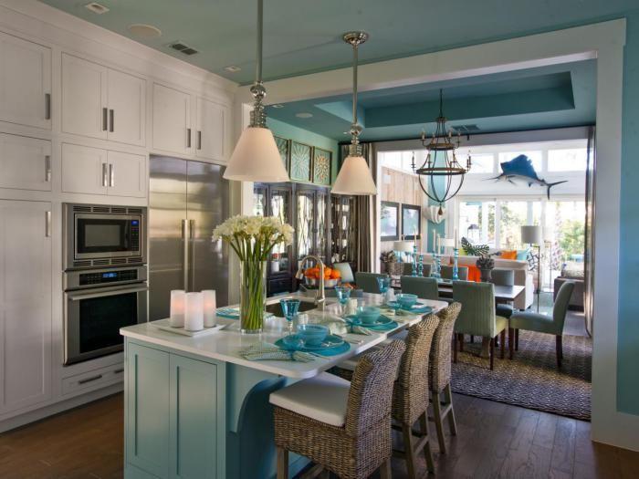 cuisine avec ilot cuisine en style marin en bleu et blanc ilot de cuisine table