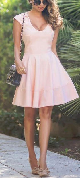 Rosa Kleid Kombinieren Welche Schuhe Passen Zu Rosa Kleid Rosa Kleid Elegantes Outfit Modestil