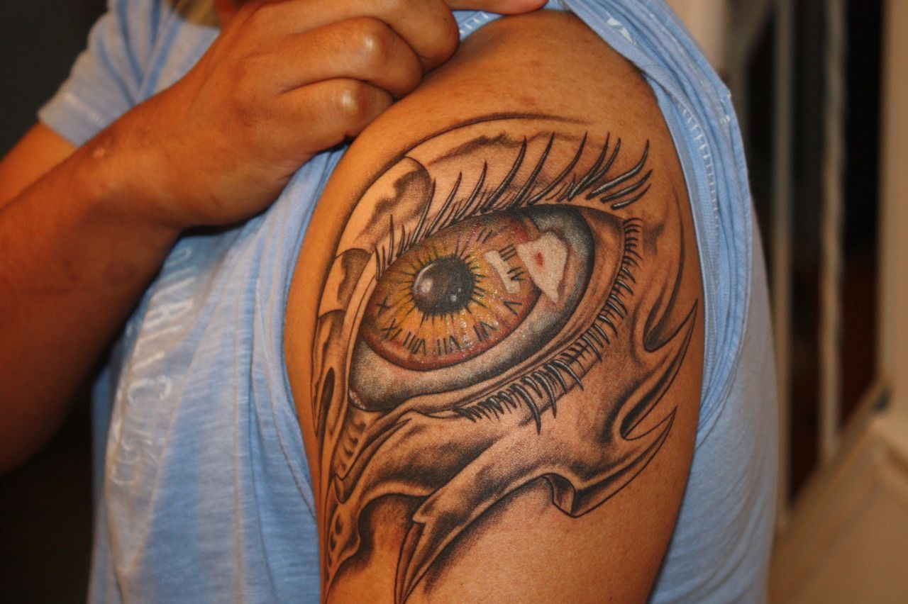 Bio Mechanical Eye Done By Adam Harrison At Dragon Moon Tattoo Studio In Glen Burnie Md Cool Tattoos Tattoos Body Art