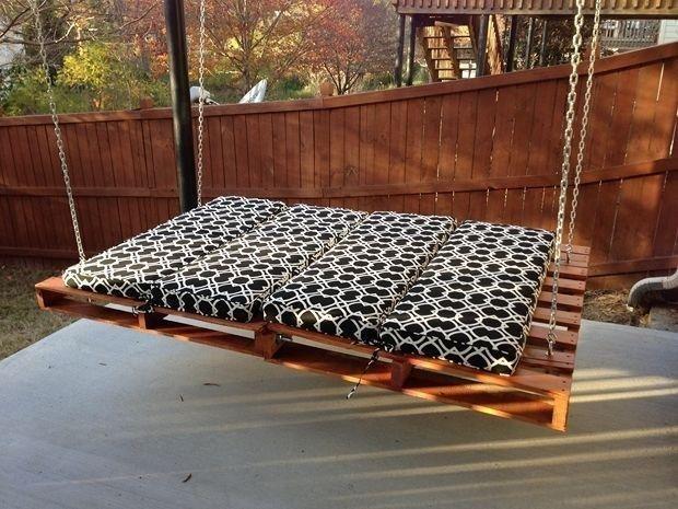 12 Amazing Pallet Swing-DIY Ideas