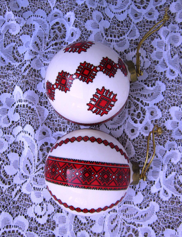 Ceramic christmas ornaments - Ukrainian Collectible Ceramic Christmas Ornaments Mama And Tato