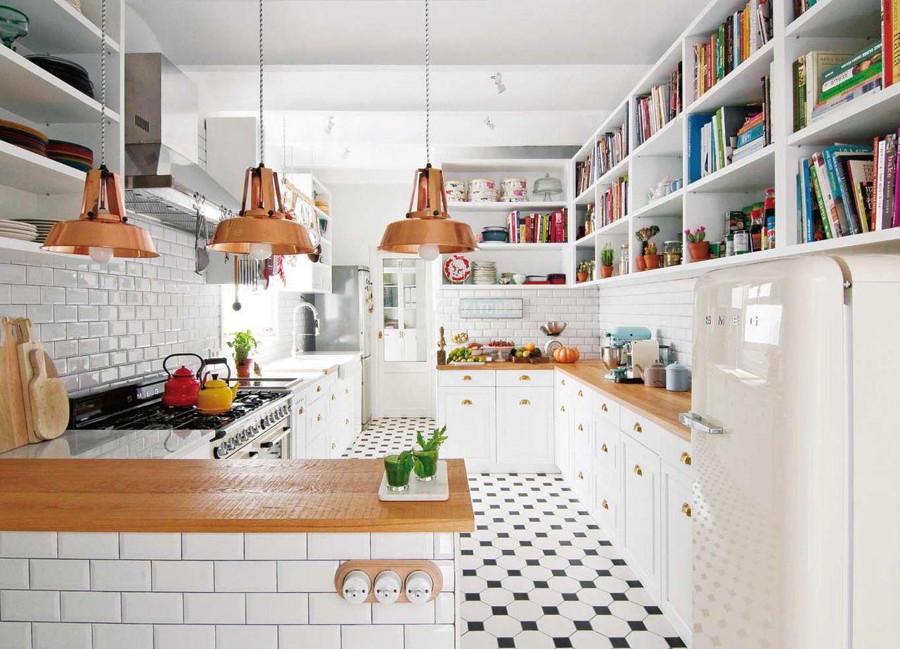 Un depto con base blanca y toques de color | Cocina moderna, Cobre y ...