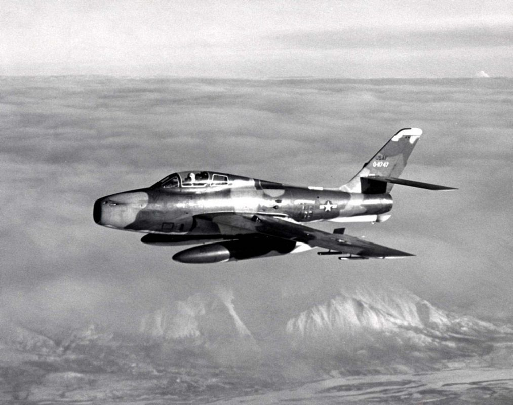 An ohio air national guard f 84f in the late 1960s postwar jets military aircraft publicscrutiny Images