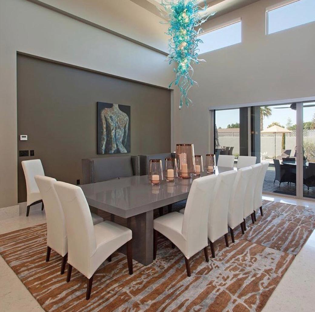 Modern Yet Minimal Dining Room