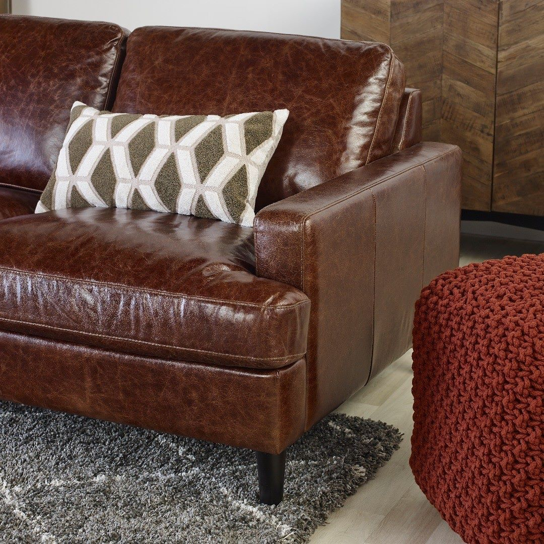 It S All About The Details The Savoy Leather Sofa Is Proudly Made Right Here In Canada Featured Savoy Leather Sofa In Jasper Wal Leather Sofa Furniture Sofa