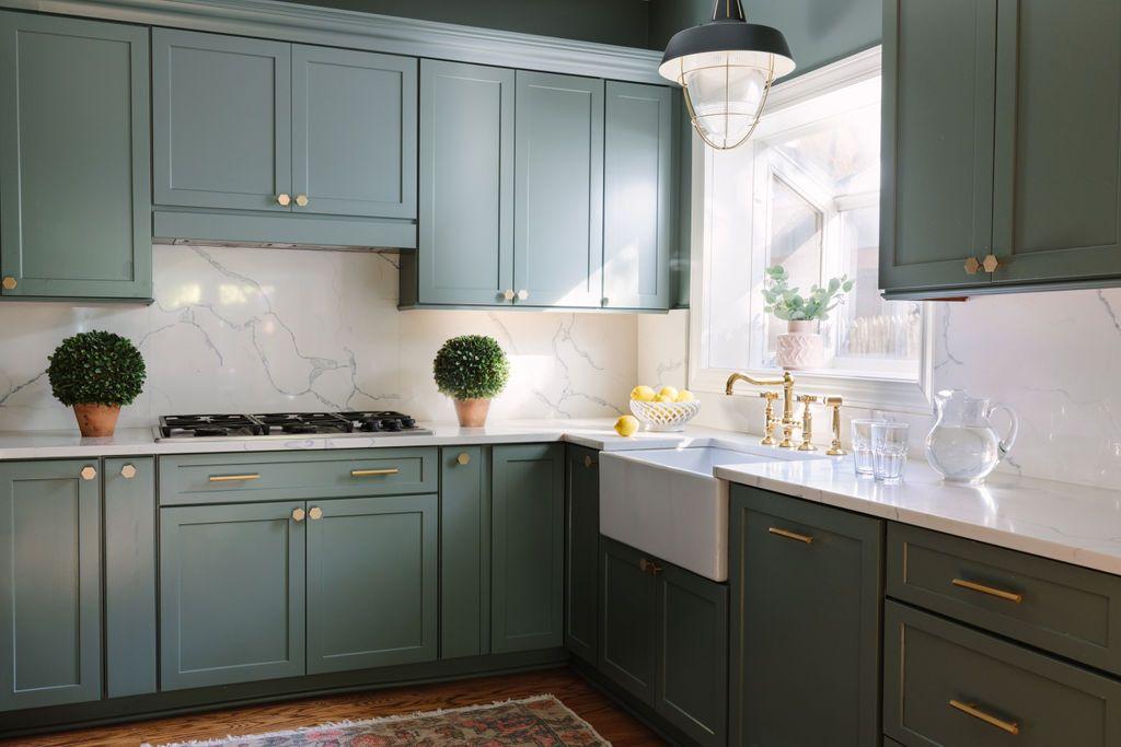 Chicago interior designer Kitchen cabinets in Farrow and ...