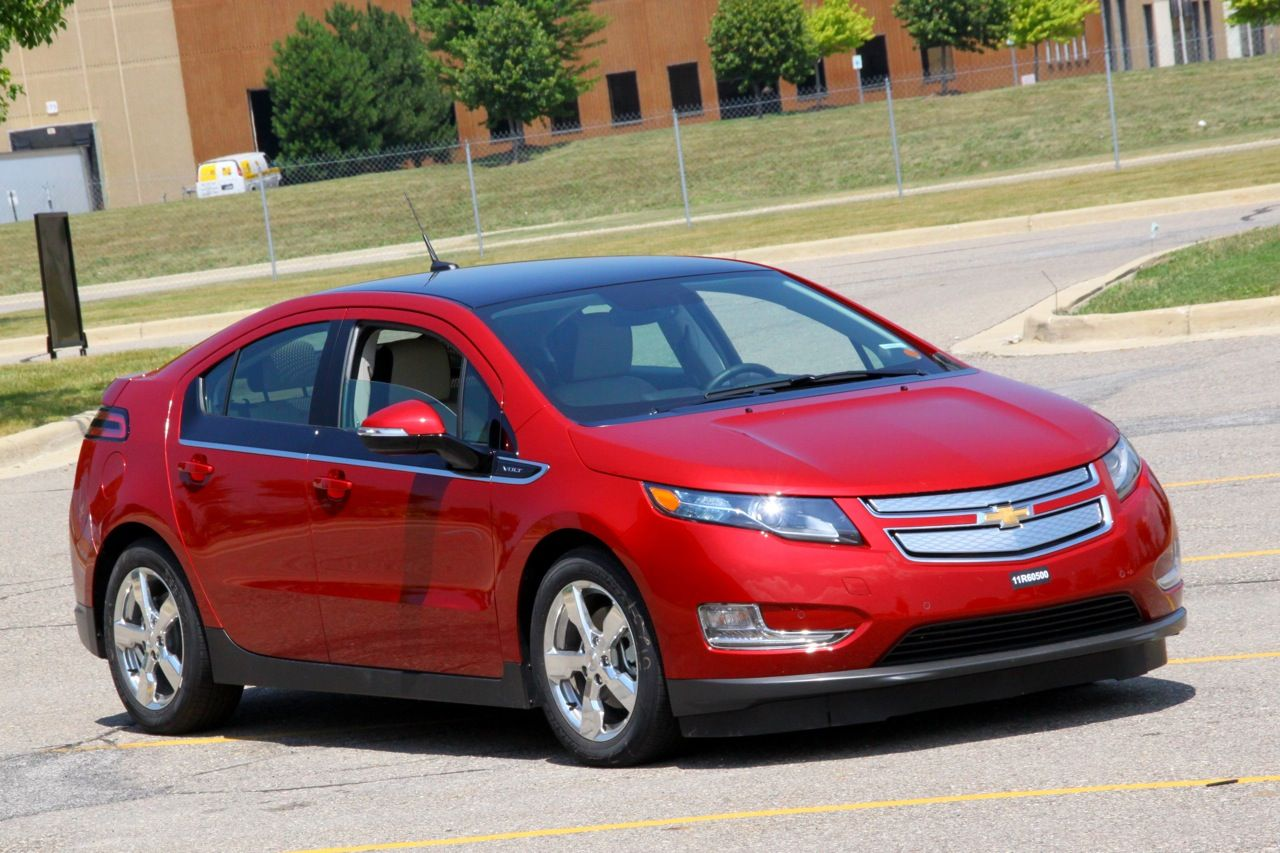 2012 Chevy Volt Plug In Hybrid Over 30 000 Sold 39 145