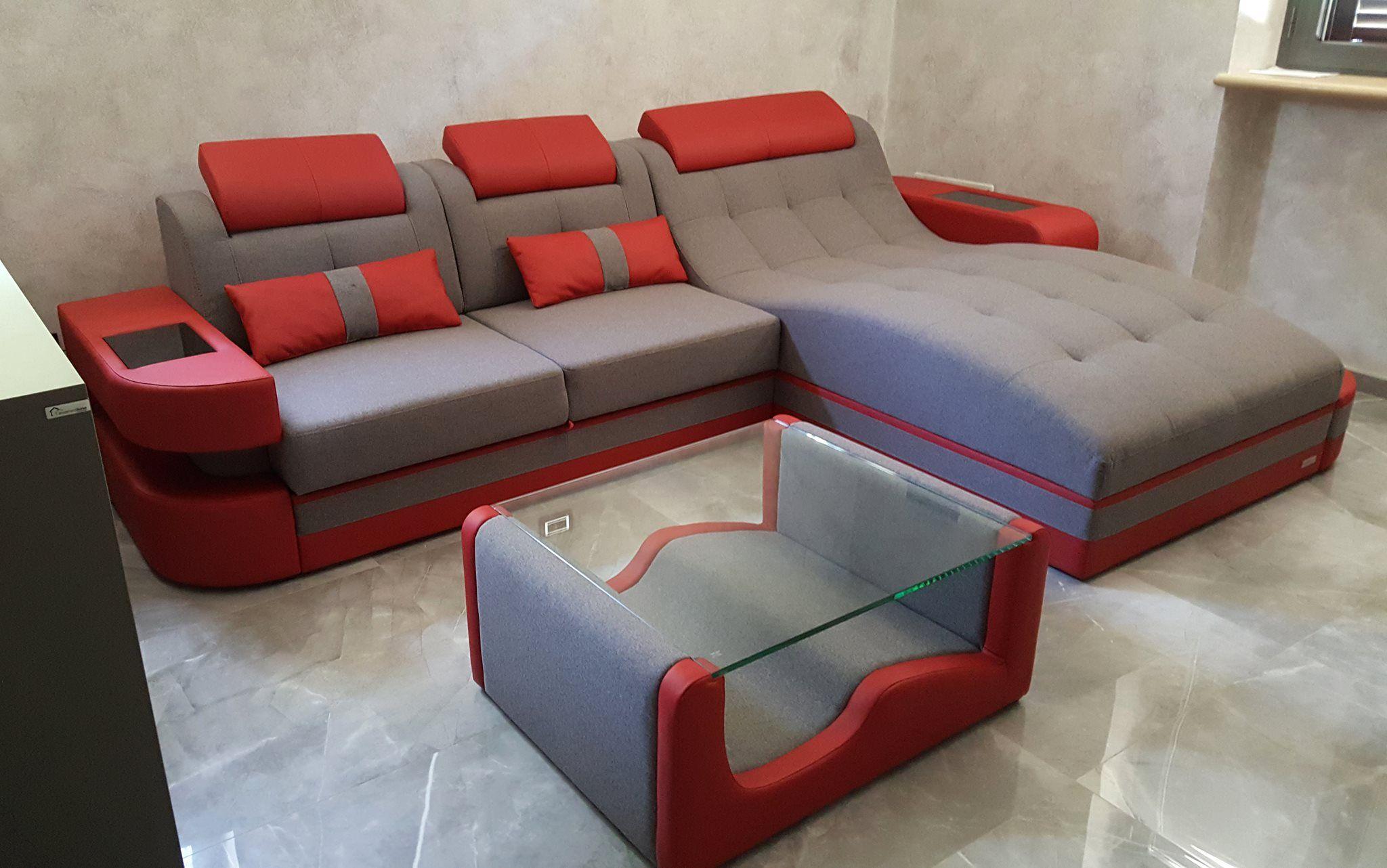 Die Stoffsofa Wohnlandschaft Macht Sich Extrem Gut Im Schlicht Gestalteten Wohnzimmer Die Roten Elemente Sind Die High Sitzgruppe Sofa Set Designs Sofa Design