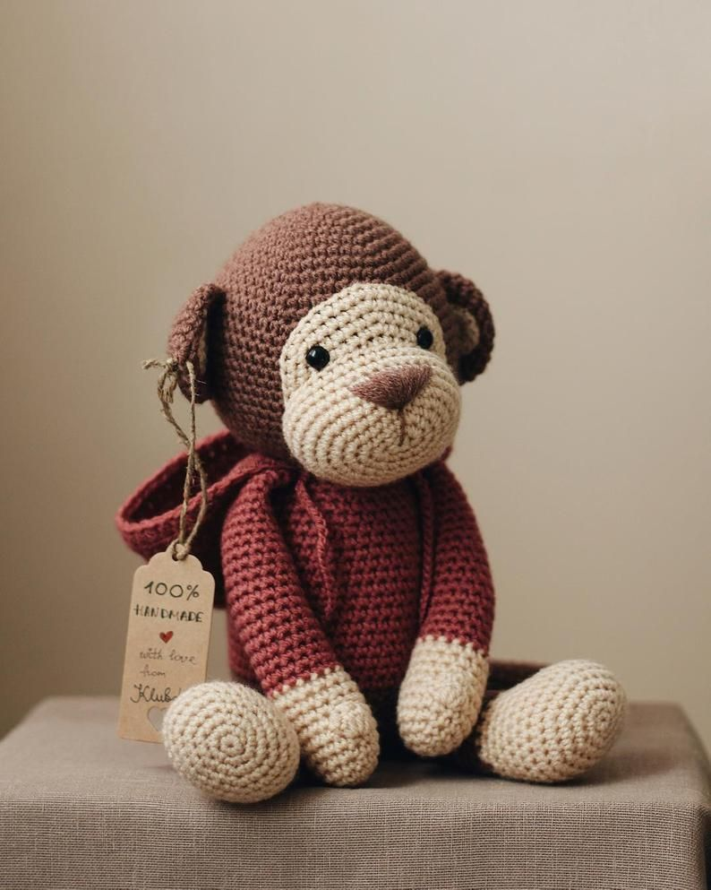 PATTERN: Monkey in the hood #gratismønster