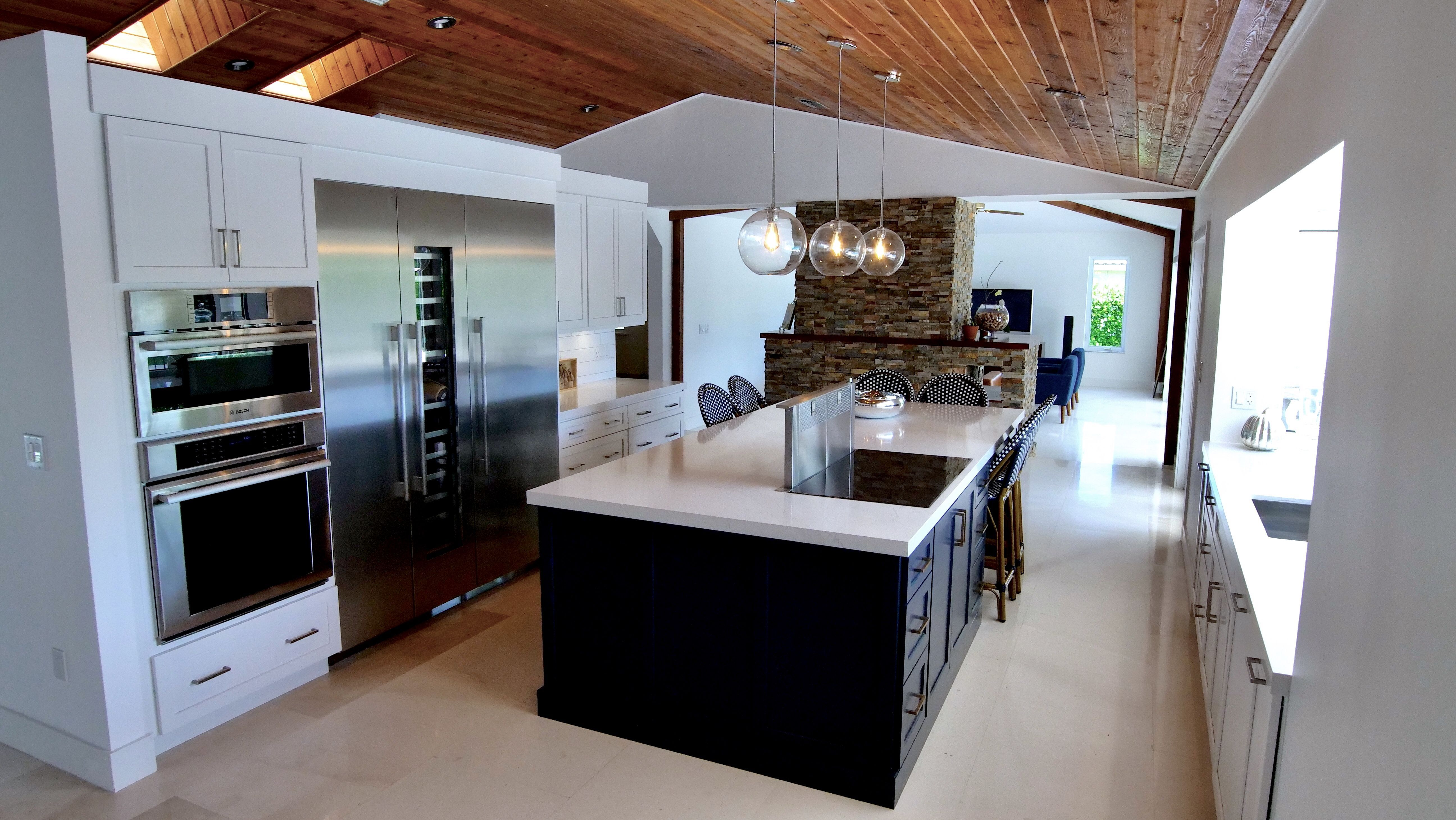 The Design Of This Kitchen Works So Well With The House Call Us At 305 234 1990 In 2020 Kitchen Modern Kitchen Kitchen Words