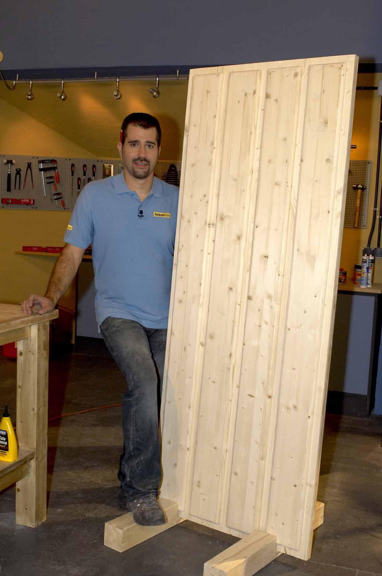 C mo hacer una puerta r stica de madera fabricando - Como lijar una puerta ...