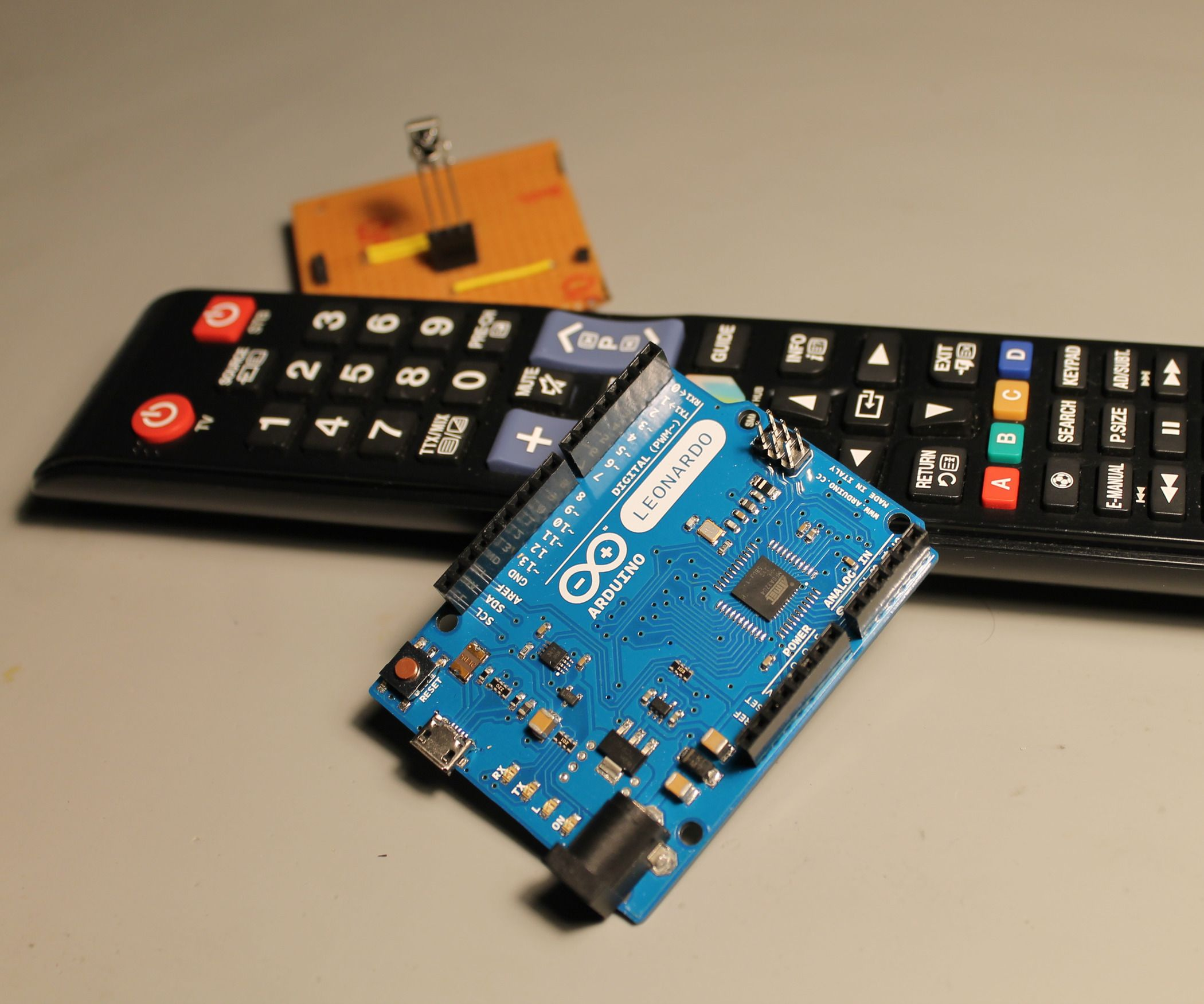Arduino Powerpoint Pointer And Pi Pinterest Basic Robotics Ir Remote Control Grab An Turn It Into A Power Point Using Sensor Your Tv
