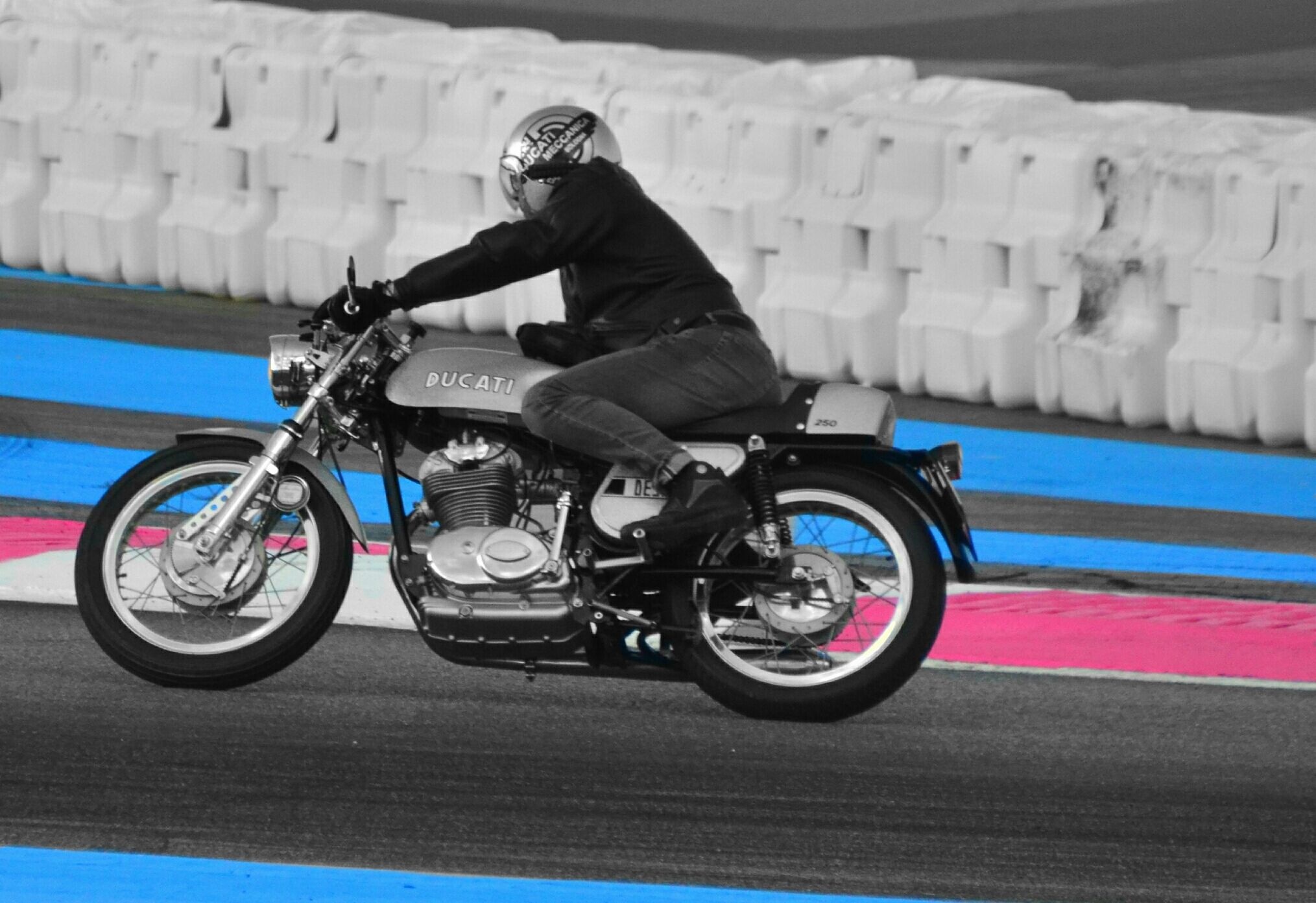 Circuit Castellet 2016 Moto ducati, Motorcycle, Ducati