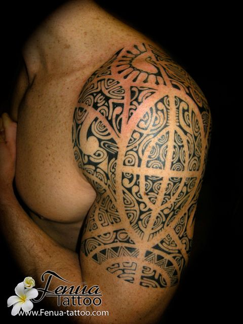 tatouage-polynesien-sur-epaule par tahiti tattoo dans le var entre toulon et marseille by Tahiti Tattoo à Sanary, via Flickr