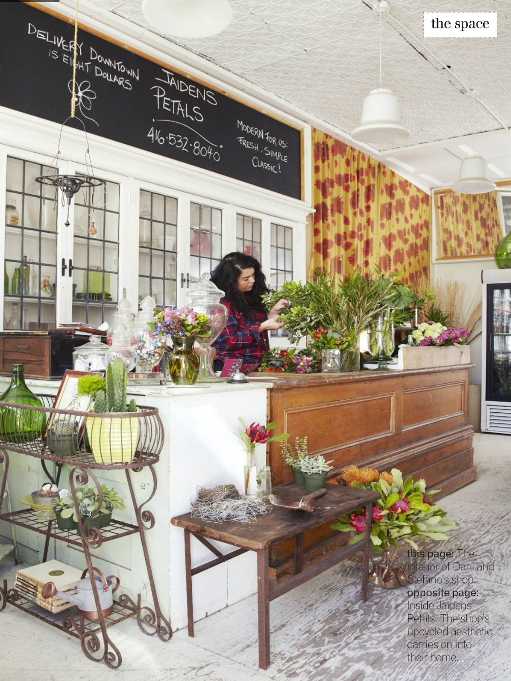 Love the look of this shop Flower shop design, Flower