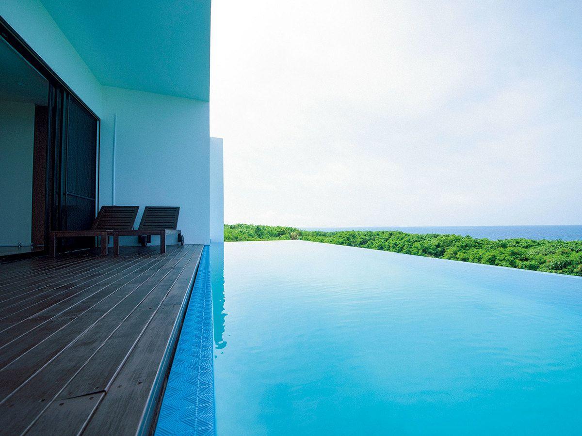 空と海をテーマにした宮古島の ホテル カフェで青と一体になる 2020