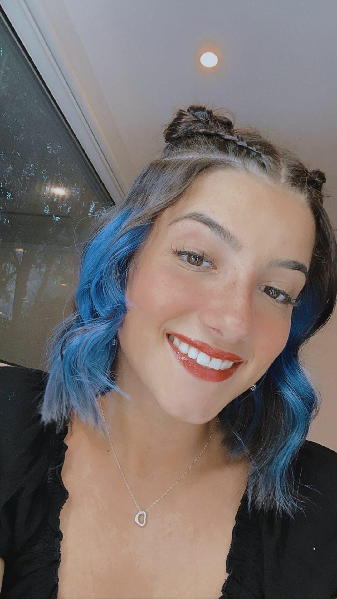 Charli D'amelio in 2020 | Hair color streaks, Hair inspo color, Aesthetic  hair