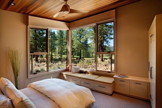 Kleines Schlafzimmer mit großer Fensterfront einrichten ...