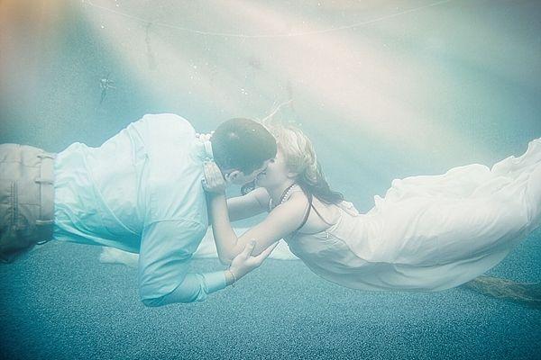 Underwater Wedding Ideas-My friend Ashley never ceases to amaze me!