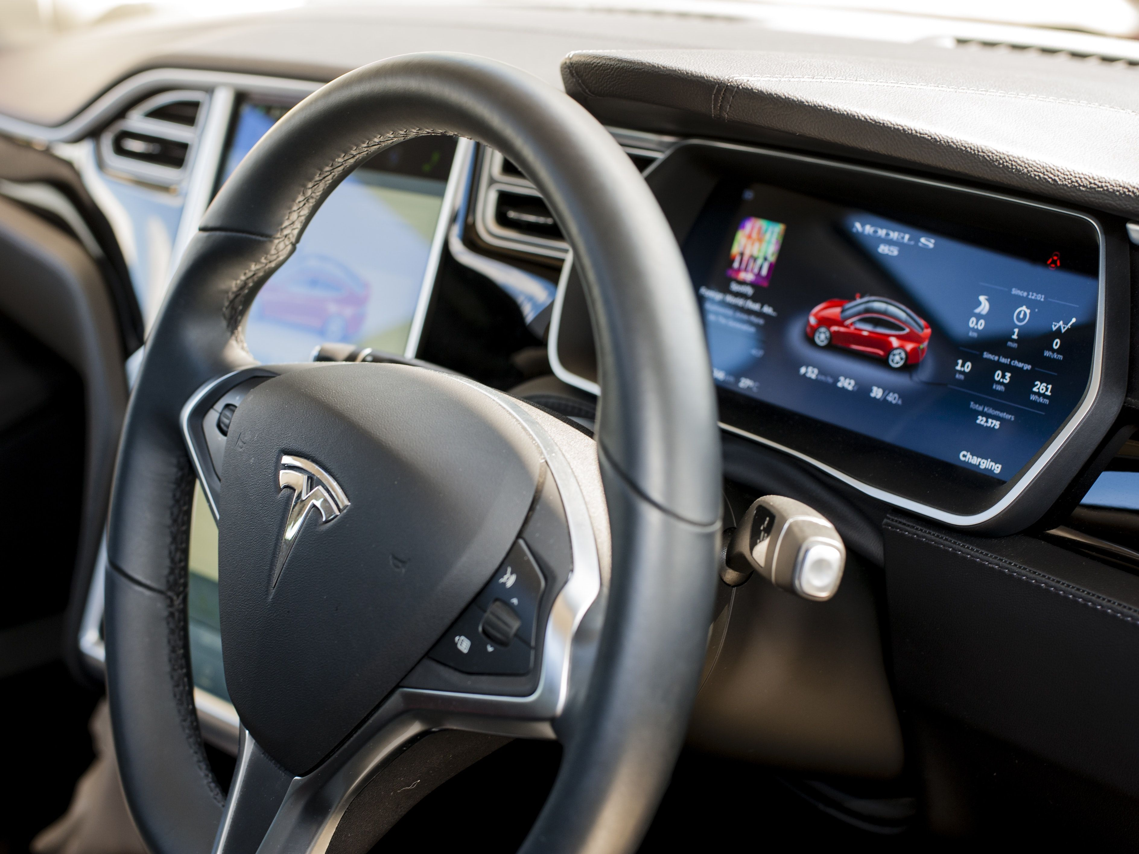Tesla Just Replaced Elon Musk As Chairman With An Expert In Connectivity Tesla Elon Musk Tesla Model S