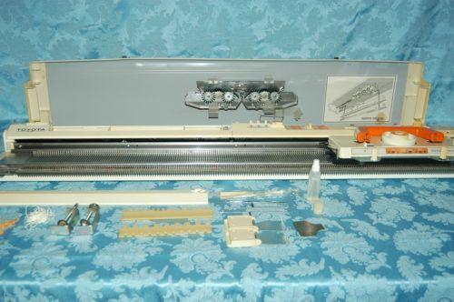 Toyota-Model-KS-901-Knitting-Machine