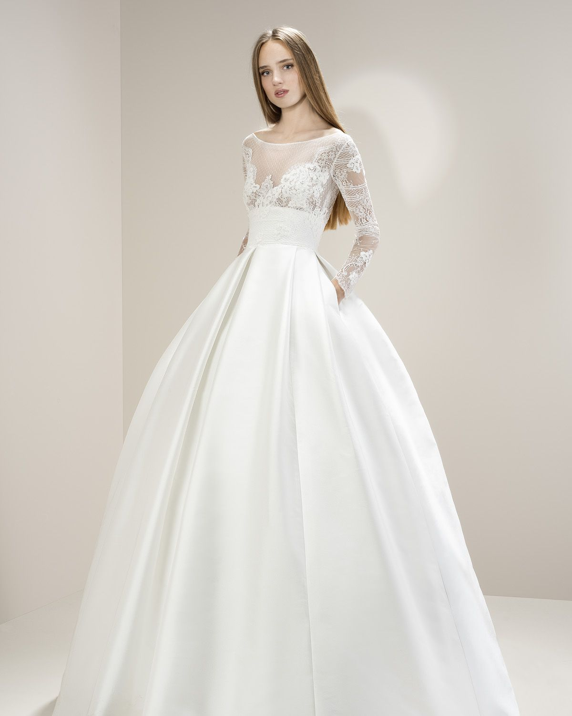 Best wedding dress boutiques in london  CC  Jesus Peiro trouwjurk  Covers Bruidsmode  WEDDING