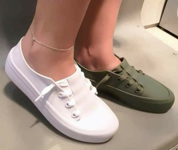 Melissa Women's Ulitsa Slip-On Sneaker TdzKBRK