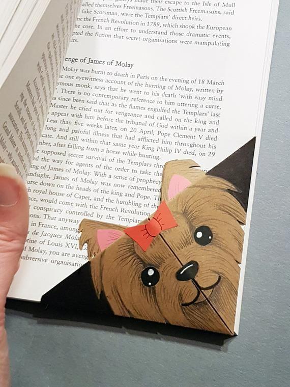 Photo of Yorkshire Terrier Lesezeichen angepasst Yorkie Origami Lesezeichen für Kind Yorkshire Terrier Geschenk für Buchliebhaber handgemachte Hundeecke Lesezeichen