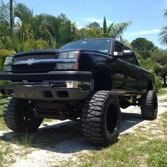 """@austin_akers7_3 New Whip! 2004 Chevy Duramax Lly! 12"""" Fts"""