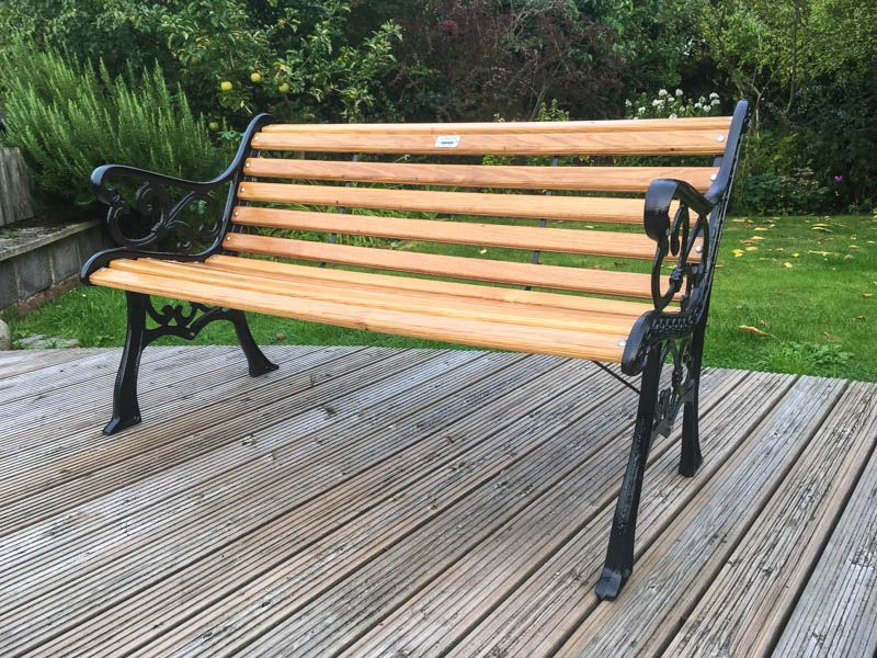 Brilliant Expertly Restored Garden Bench With Cast Iron Ends And Oak Creativecarmelina Interior Chair Design Creativecarmelinacom