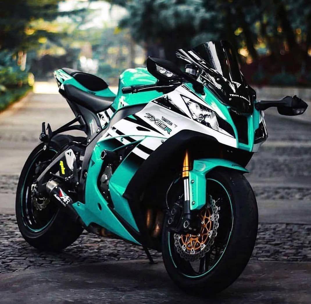 Gambar Mungkin Berisi Sepeda Motor Dan Luar Ruangan Sepeda Olahraga Mobil Sport Sepeda Motor