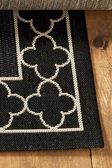 Suzanne Kasler Quatrefoil Border Indoor Outdoor Rug Quatrefoil Outdoor Rugs Indoor Outdoor Rugs