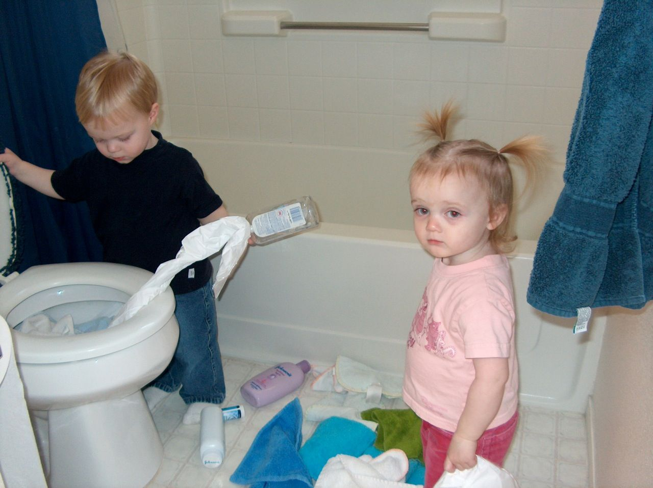 Twiniversity Tips: What chores can your kids help with (sorted by age.)
