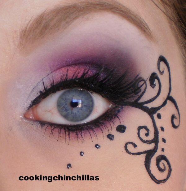 Pink Purple elegant Gothic Makeup with eyeliner art