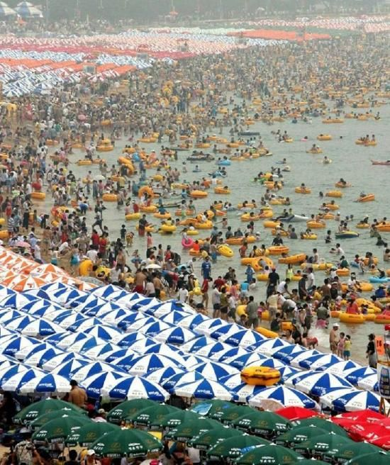 A day at the beach in China - snopes.com