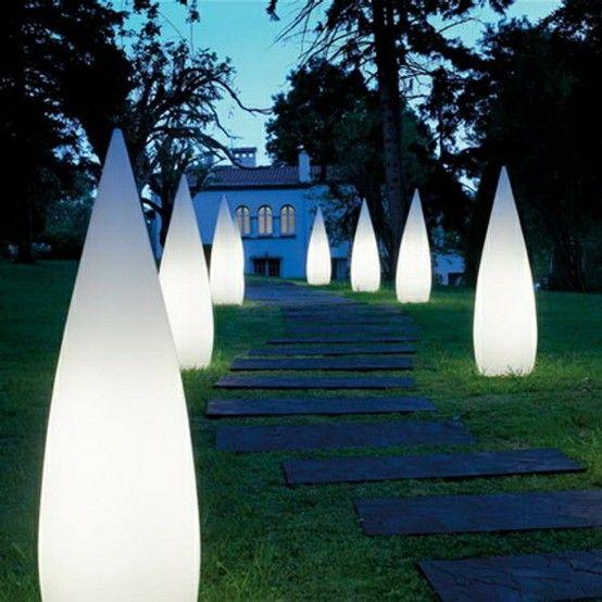 Moderne Aussenbeleuchtung Ideen Fur Den Garten Enbeleuchtung Garten Ideen Moderne Aussenleuchten Landschaftsbeleuchtung Aussenlampe
