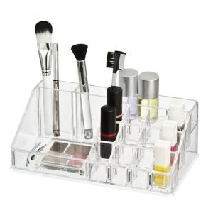 Wenkon akryylinen meikkiteline pitää kosmetiikan ojennuksessa.