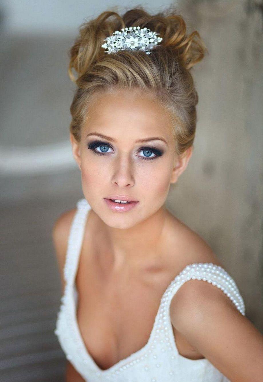 15 Smokey Eye Makeup For Blue Eyes And Blonde Hair Ideas