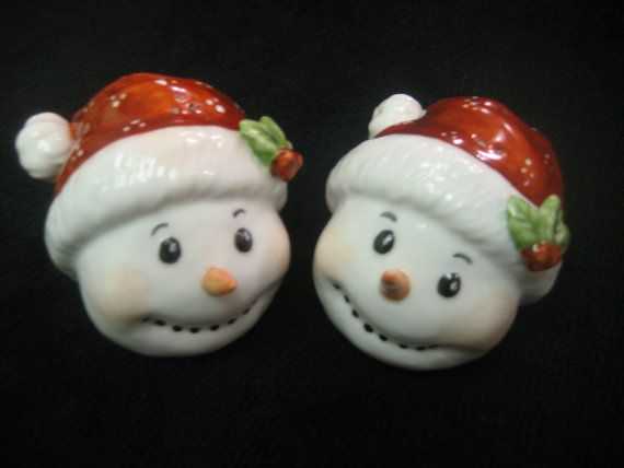 Salt and Pepper Shakers Holiday Snowman Red.