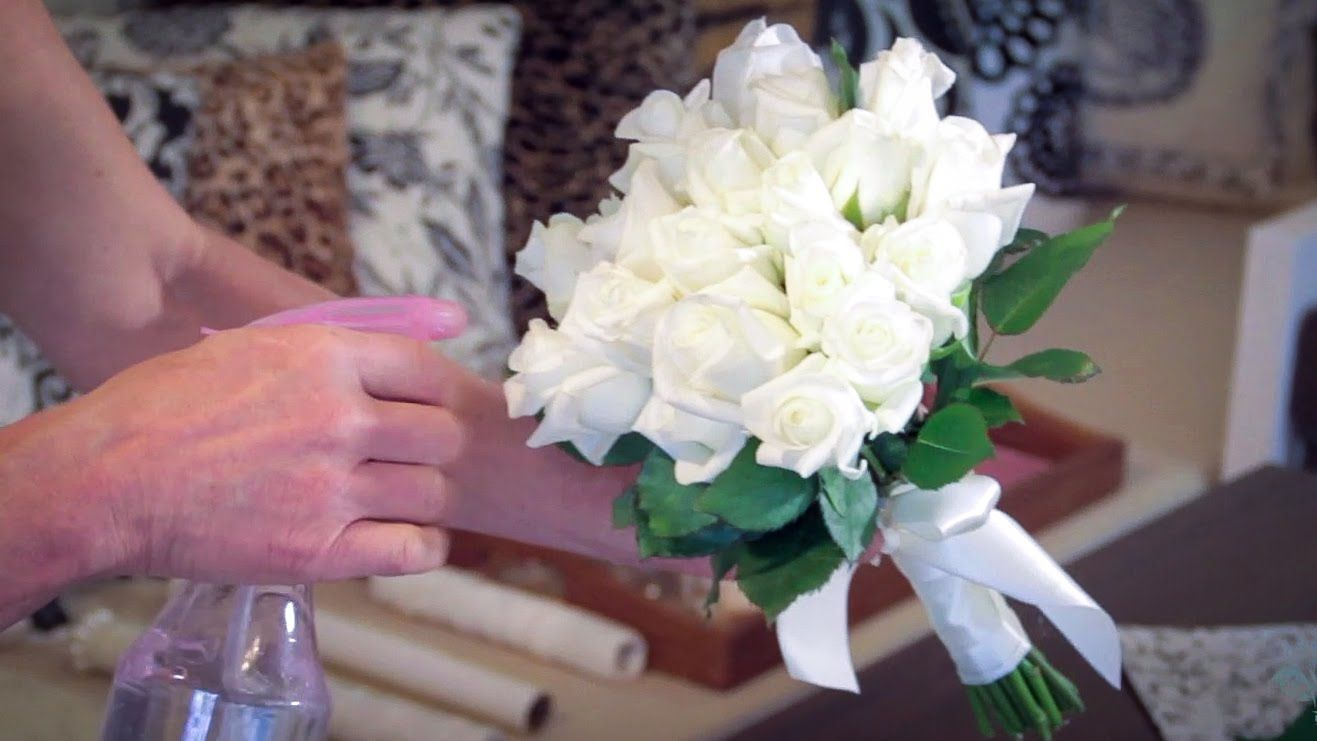 Floristry Tutorial: How to Make a Rose Bouquet