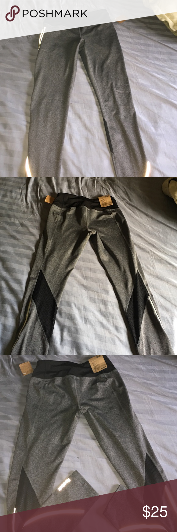 REEBOK LEGGINGS It's new size small Reebok Pants Leggings